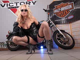 Adult Movies Rocker biker gets naked
