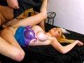 porno video Katy la belle blondinette se fait explorer l'abricot sexe gratuit