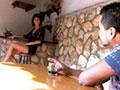 Naty si fa inculare su un tavolo