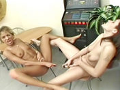 Aquatic tongue play xxx videos