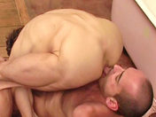 Bain brûlant & cockring d'acier !! x video gay