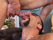 Trio Bisessuale super hot ;-) ! video porno gay