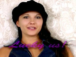 Tina la Jeunette Kiffe le gode de sa mère ! 3