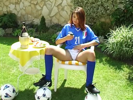 Supportrice Italienne en solo !!! video sexe