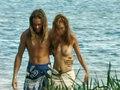 Couple fougueux seul sur une île déserte !