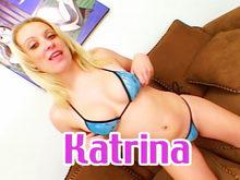 Katrina Sauvagement enculée sur le canapé par Brandon Iron !