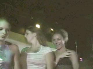 Show con giovani ragazze ubriache al Macumba!!!