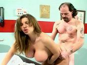 Puta + senos grandes + clítoris perforado = ENFERMERA! videos