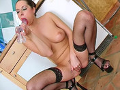 A wifey wanks herself off in the kitchen!!! porn video