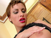 Solitary sex for a pretty, short-haired brunette! sex video
