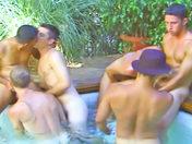 Partouze de mecs bourrée à la piscine video x gay