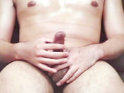 Un asiat se branle devant sa webcam ! sexe video gay