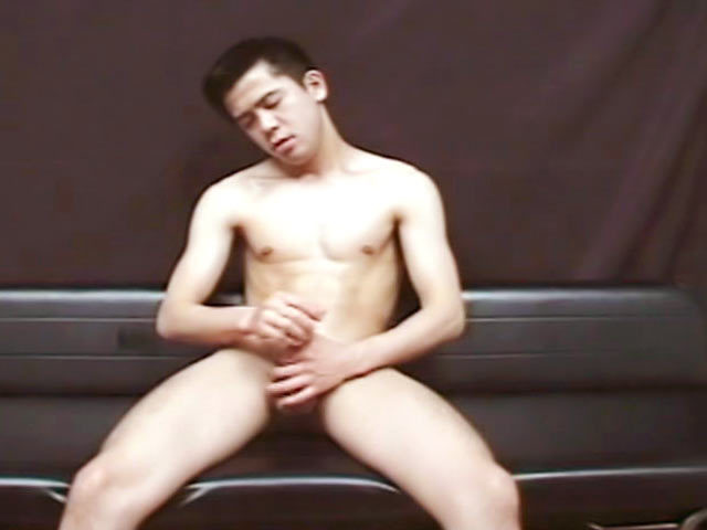video branlette asiatique gay