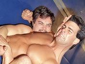 Beau combat entre beaux-mâles !!!