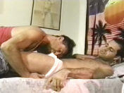 Baise juteuse entre keums virils ;-) ! x video gay