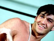 Sportif latino humilé par un lascar des cités ! video sexe gay