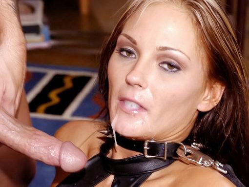 Une blonde très salope teste les deux cotés de la force ! video sexe
