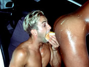 Tuning bling bling : Il encule son garagiste avec un kebab porno video gay
