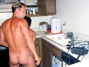 Cuisine au sperme : A TABLE SALOPE !