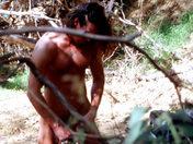 Paint ball anal à Vincennes : Deux militaires baisent dans un bunker sexe video gay