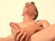 Eté chaud à St Malo pour 2 Minets vicieux ! porno video gay
