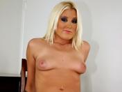 Blonde sexuellement agressive se fait dresser ;-) ! videos x