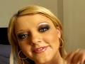 London Ibis, 18 ans, future reine des blondes salopes !