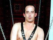Lionel et André trippent façon BDSM ;-) ! Cockring et cuir ! video x gay