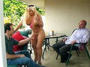 Mature squirting woman buggered in the garden! porn video
