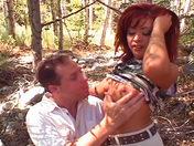 �Aficionada excitada! �Corrida femenina en los bosques!    video sexo