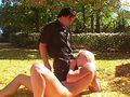 Missy Monroe éjacule dans son jardin et s'y fait baiser !