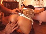 « Elle » entretient ses tuyauteries! video sexe gay