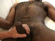 Téléchargement de Suçage et doigtage entre un blanc et un noir