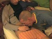 Branlette entre potes hétéros! Festival de jus d'hétéro ! video x gay