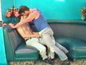 Deux minets s'enculent au resto sexe video gay
