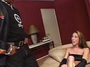 Elle adore se faire tringler l'anus