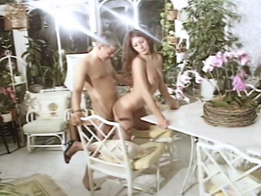 Belle Brune sodomisée par surprise ! video sexe