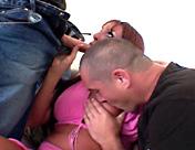 Un puta trans y dos clientes en una orgía de pollas increíble sexo video