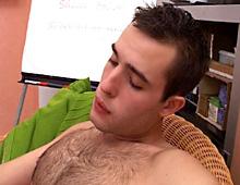 Petite entrevue de routine pour gay refoulé...