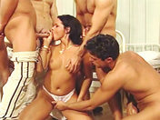 Gang Bang en el hospital para Dora venters y Betty Dark (primera parte) sexo video