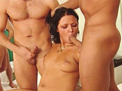 Gang Bang � l'hopital avec Dora Venters et Betty Dark (partie 2)
