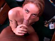La bionda, la bruna ed il cazzo video porno