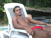 Piscina trans video sesso