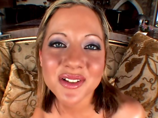 Petite blonde pour grosse bite noire video sexe