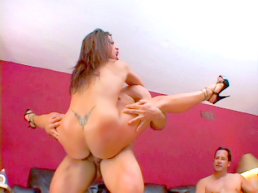 Latex, vinyle et sodomie video sexe