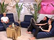 Trois étalons, pipes au salon porno video gay