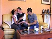 Thé au citron, on s'encule au salon sexe video gay