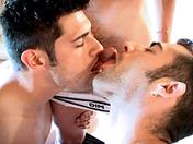 Pose tes planches et chevauche mon manche porno video gay
