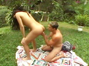 Una transexual al campo! sexo video