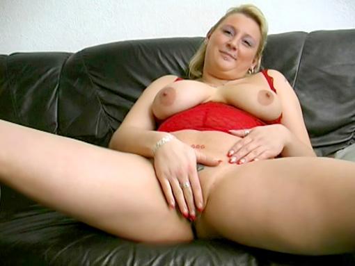 Blonde sous la pluie et baise sans compromis video sexe